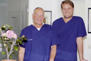 Dr. Lutz Gruhl und sein neuer Praxispartner Dr. Julius Hoehne. Foto: Helga Kristina Kothe