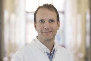 Der Chefarzt der neuen Klinik für Neurologie und Klinische Neurophysiologie in Kassel, PD Dr. Christian Roth. Foto: © DRK-Kliniken Nordhessen