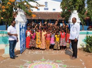 Freundlicher Empfang von Kindern im Waisenhaus, in dem auch Paul Shindhe aufgewachsen ist. Fotos: Reinhold Hocke/Franz-Bernd Frechen